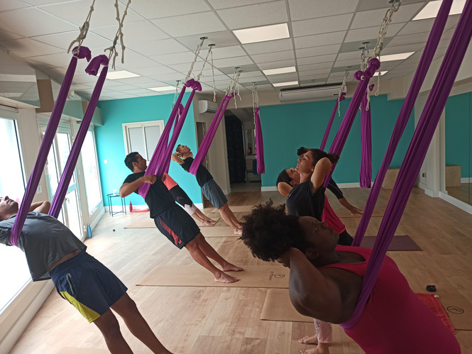 Yoga suspendu, Fly yoga