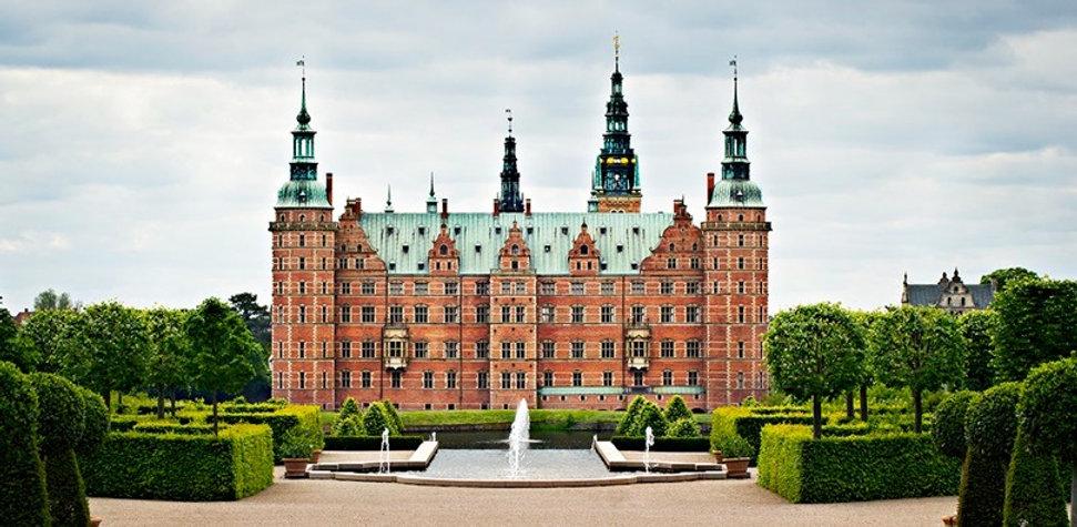 Frederiksborg-Castle_edited.jpg