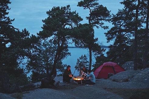 lindsten_&_nilsson-setting_up_camp-5940.