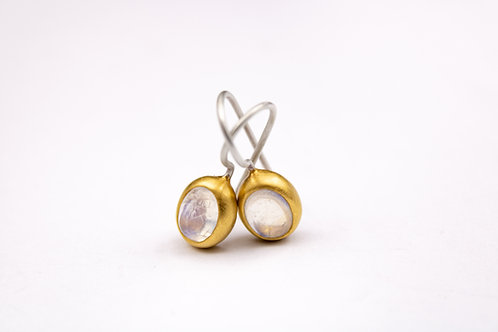 Classic Moonstone Earrings Mox