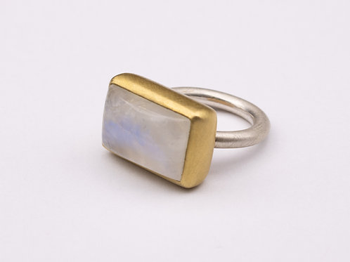 Moonstone Mox ring - Large