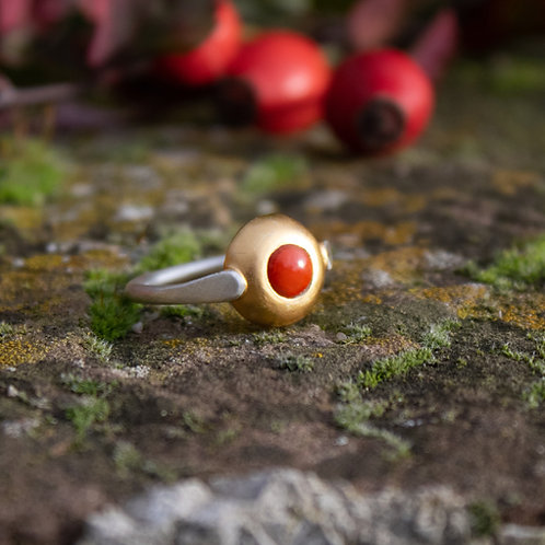 Classic Coral Ring
