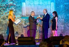 Premiazione con il campanile d'argento ad Andrea Ballabio