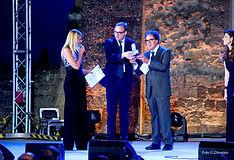 Premiazione con il campanile d'argento a Tommaso Cerno