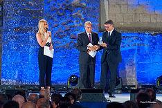 Premiazione con il campanile d'argento a Raffaele Cantone