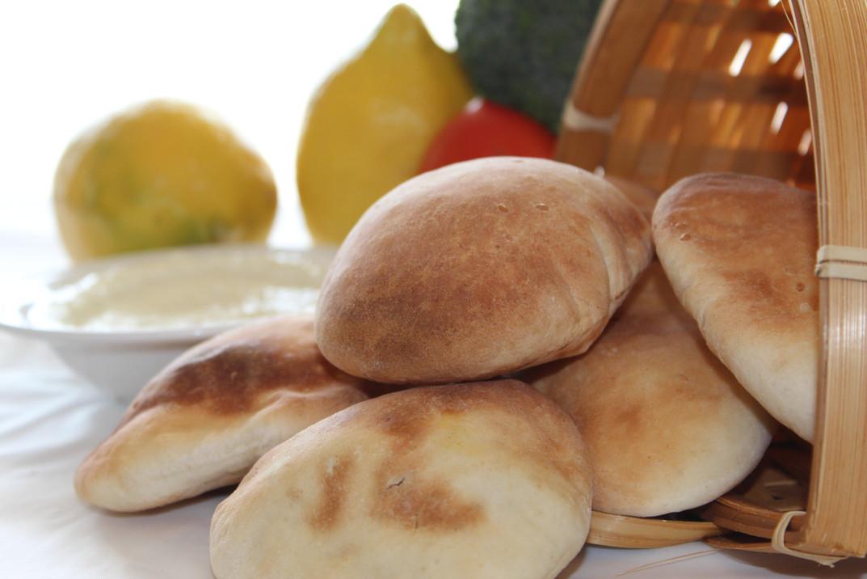 Fresh Baked Bread & Garlic