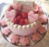 先日載せた桜のアイシングクッキー_ケーキの上にトッピングして_さらに可愛くなって
