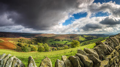 stanage peaks view stitch 1 (1 of 1).jpg