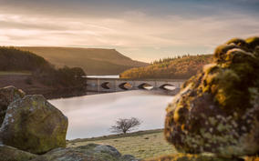 ladybower sunrise 18 1 (1 of 1).jpg