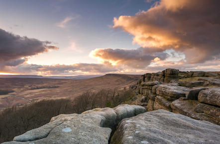 stanage sunset crack edit 1 (1 of 1).jpg