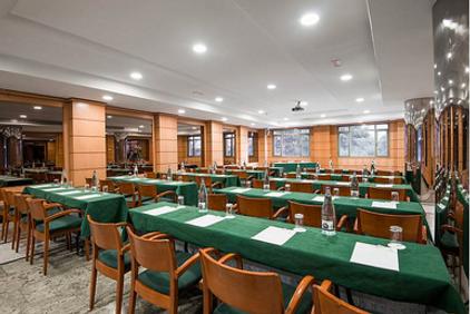 Hall central UC3M Puerta de Toledo sede del XLI Congreso de las Sociedad Ibérica de Biomecánica y Biomateriales SIBB 2018 Madrid