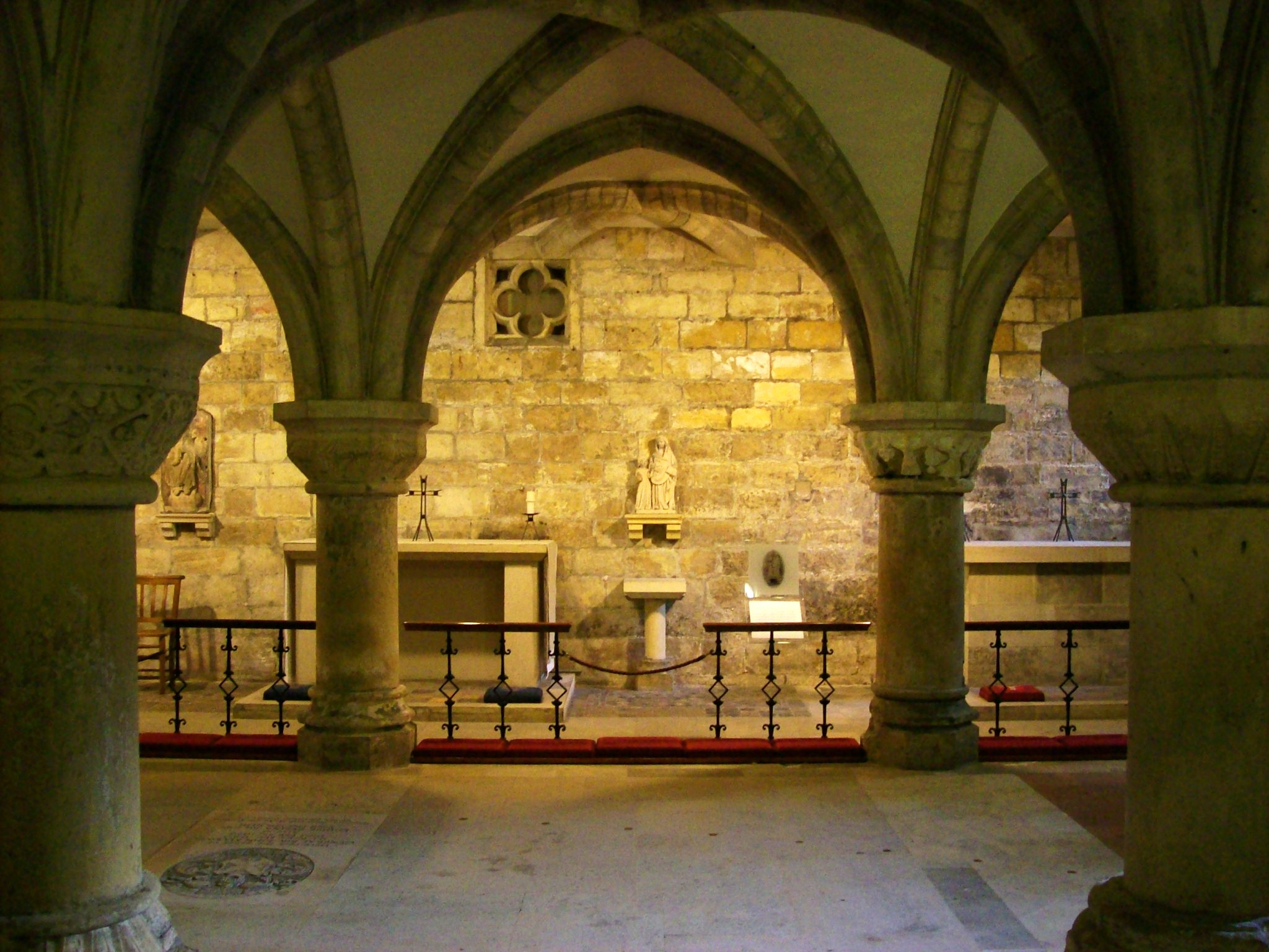 The_Crypt,_York_Minster_2