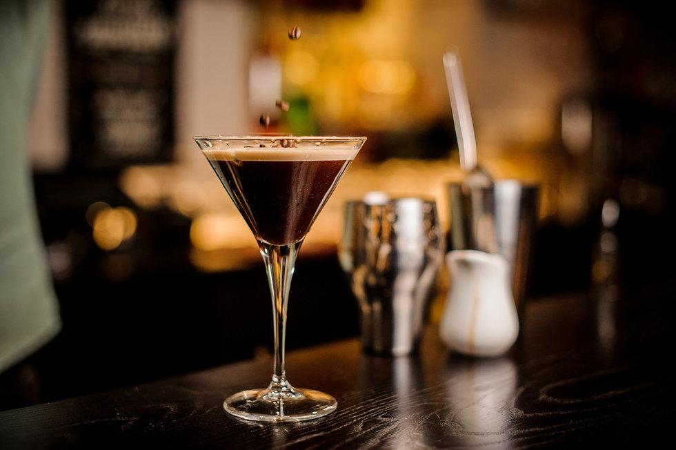 martini%20on%20bar_edited.jpg