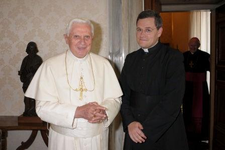 Le fondateur avec le pape Benoît XVI