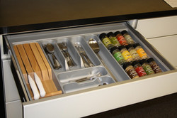 contemporary-cabinet-and-drawer-organizers