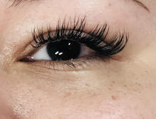 skipey doll eye classic lash extensions