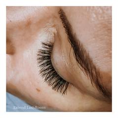 maximum volume doll shaped lashes