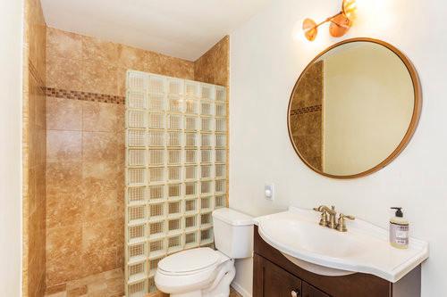 Shared Hall Bathroom