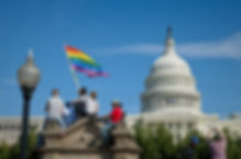 Rainbow_Flag_Capitol_1_2009-10-11_Equali