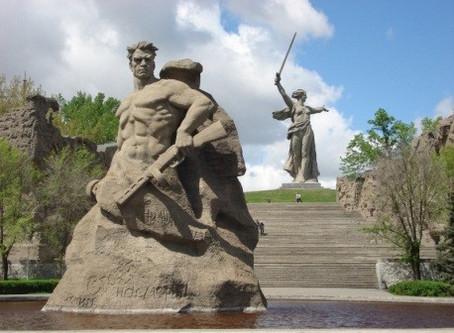 Colina de Mamáev Kurgán y la Madre Patria