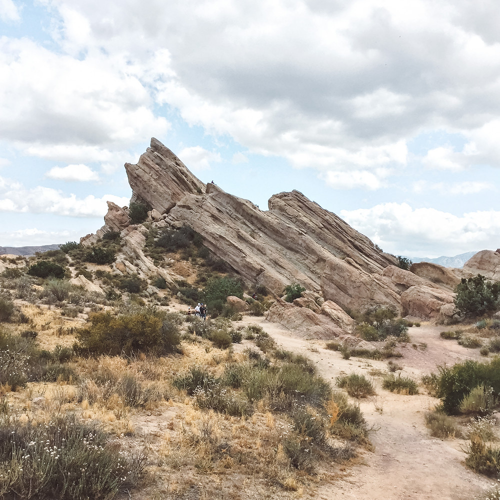 vasquez rocks natural area formations slabs climbing climb hiking hike trails