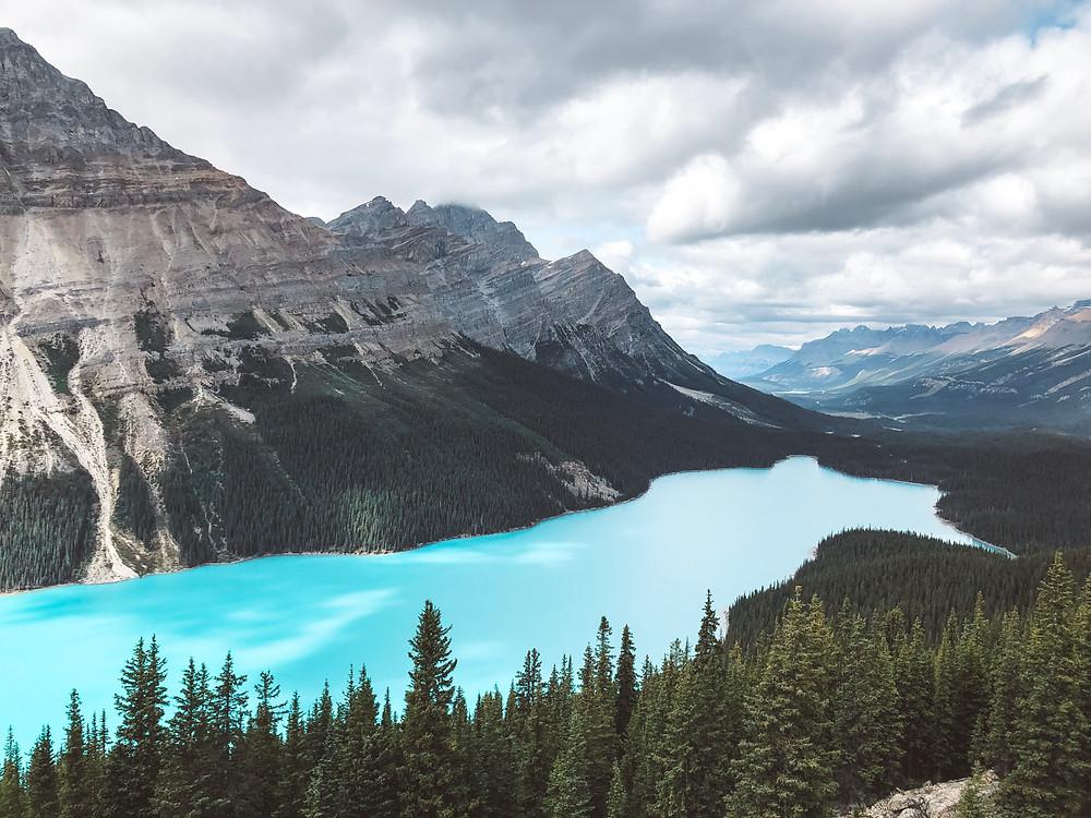 peyto lake turquoise blue lake alberta canada