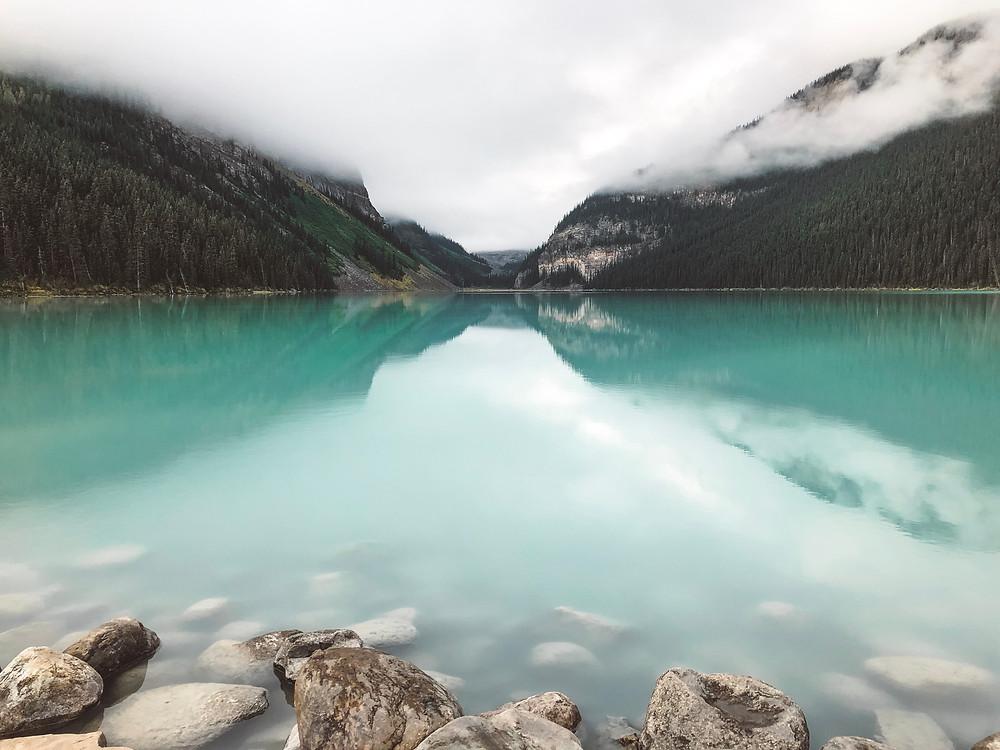 lake louise alberta canada turquoise emerald lake