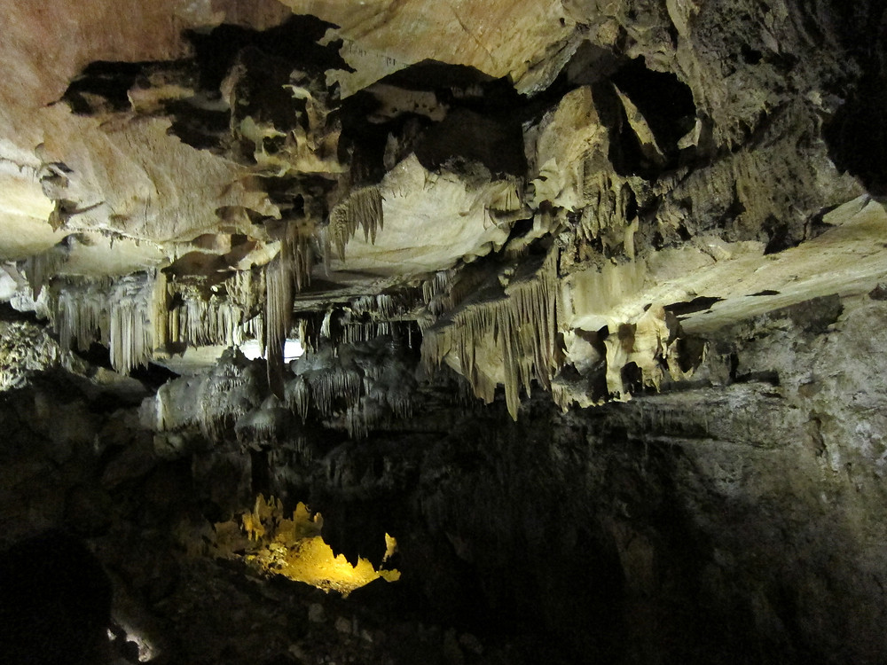 crystal cave marble cavern sequoia national park