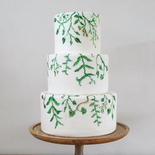 vine wedding cake (1)_edited.jpg
