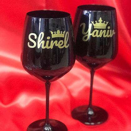כוס יין ממותגת