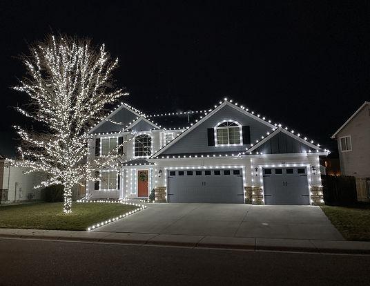 Residential Christmas lights - Nampa - professional Christmas lights