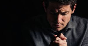 ARRÊTEZ DE PRIER POUR QUELQUE CHOSE (et commencez à prier pour Dieu)