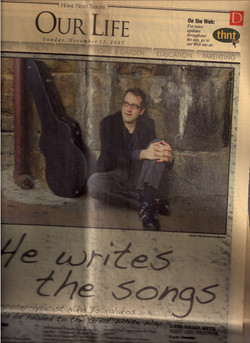 He+Writes+the+Songs+2