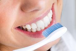 lavare-i-denti-min.jpg