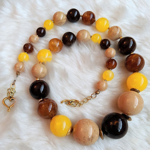 Shades of Caramel Necklace
