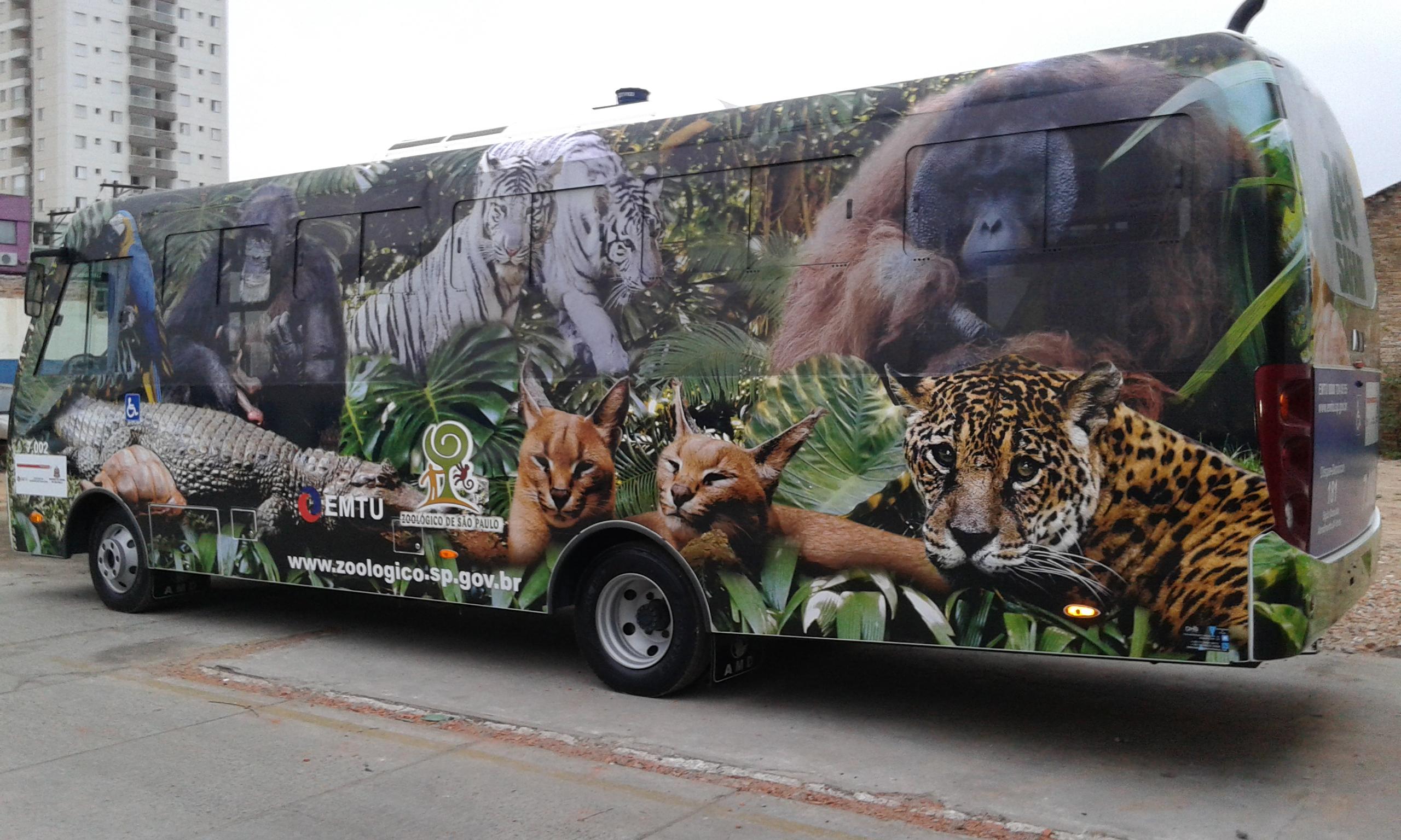 Envelopamento ônibus