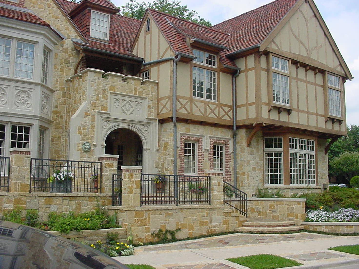 R107: Dallas Residence
