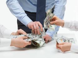 Можно ли оплатить услуги представителя путем уступки ему права на взыскание судебных расходов?