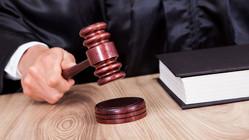 Суд признал право на пособие по уходу за ребенком сотрудницы, работающей на четырех местах работы