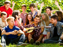 Владимир Путин поручил запустить постоянно действующую программу поддержки молодежной занятости