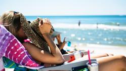 Отпуск за свой счет в случае болезни не переносится