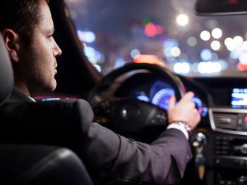 Суд признал самодеятельность работодателя с наименованием должности водителя незаконной