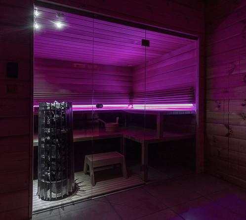 safespace_homespa_Suomi_finn_szauna_neon
