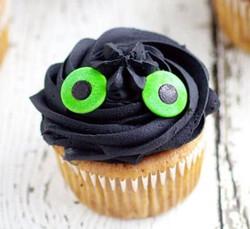 Toothless-Cupcakes-tutorial-4_edited