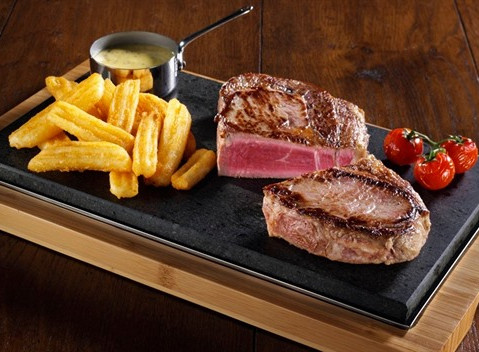 Vážení zákazníci, už jste si někdy dopékali svůj steak přímo v restauraci?