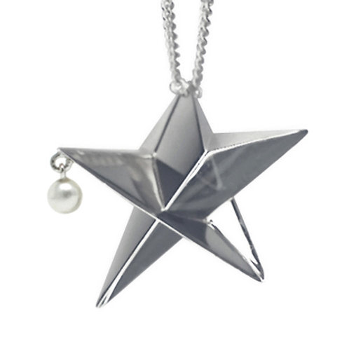 Big Star Necklace with a dangling pearl