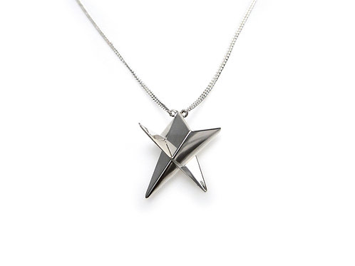 Small Star Necklace in Silver