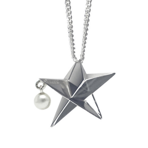 Small Star Necklace with a dangling pearl