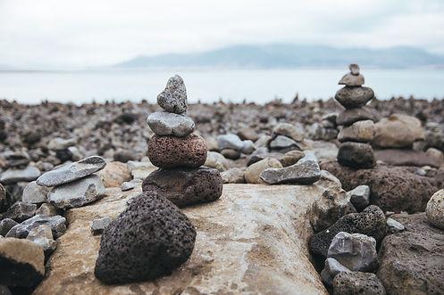 stone-sculptures-on-beach_4460x4460.jpg
