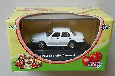 Motor Max Fresh Cherries Series III 1982 Honda Accord White 1:87